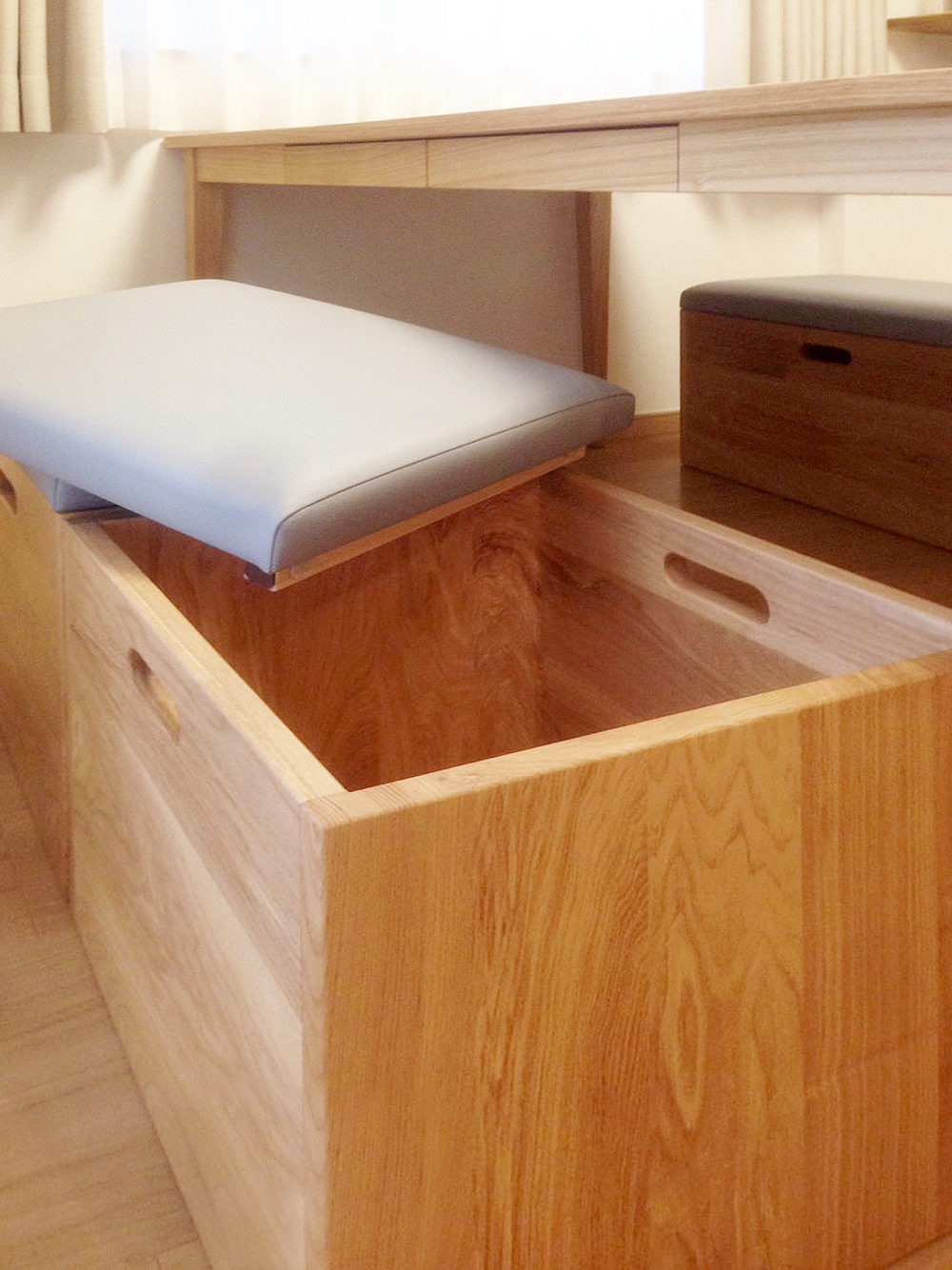 オーダー家具・ダイニングテーブル&収納付きベンチ